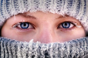 beautiful-eyes-and-frozen-eyelashes-vladislav-tyabin