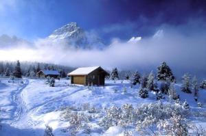 cabins-at-mt-assiniboine-lodge-british-columbia