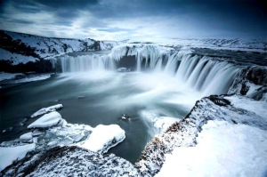 godafoss-waterfall-of-the-gods-iceland-pome-acro
