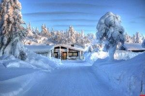 log-cabin-snowy-lapland1